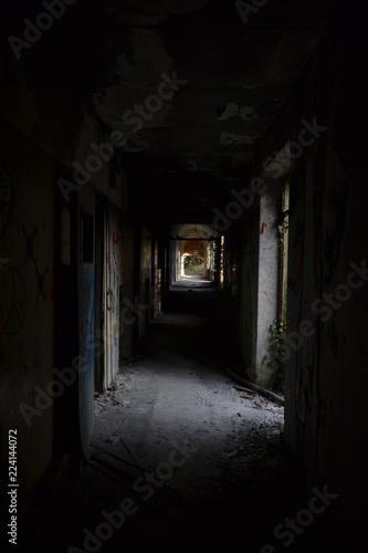 Foto op Plexiglas Wand ex manicomio di mombello, luoghi abbandonati, italia