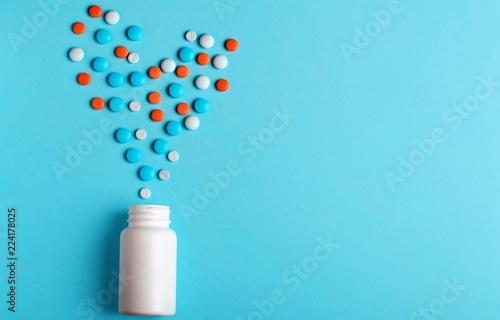 Stampa su Tela  Medication pills bottle on background