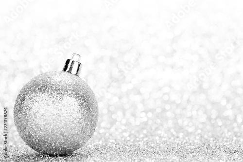 Deurstickers Bol Glittering silver Christmas ball