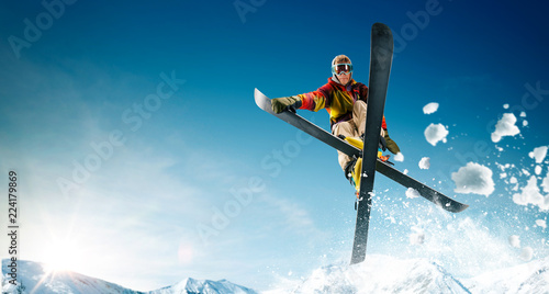 Pinturas sobre lienzo  Skiing. Jumping skier. Extreme winter sports.