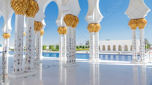 Poster Abou Dabi Sheikh Zayed Grand Mosque timelapse in Abu Dhabi, the capital city of United Arab Emirates