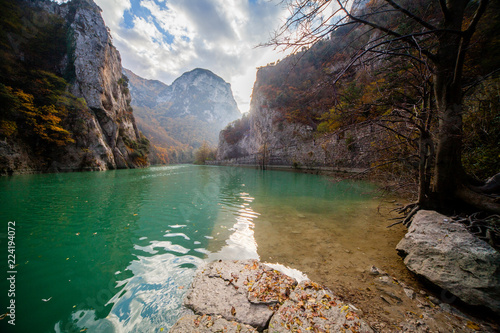 Natural reserve of the Furlo Gorge in the Marche, Italy Canvas-taulu