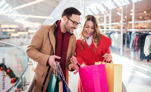 dating shopping styrker og svagheder ved radiometrisk dating