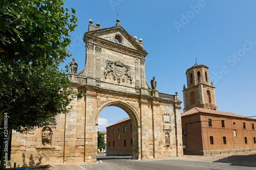 Arch of San Benito. Sahagun, Palencia, Spain