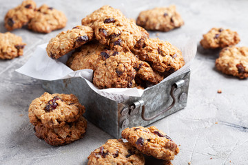 Oat cookies with cranberry and pecan