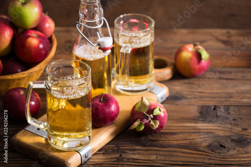 Tuinposter Bier / Cider Hard apple cider