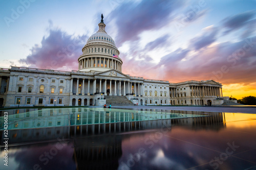 Fotografia, Obraz  The US Capitol in Washington DC with spectacular sunset