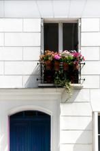 Fenêtre Fleurie , Montmartre, Paris