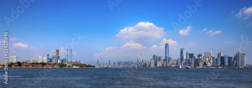 Deurstickers New York City Aerial view on New Jersey and New York City Manhattan from Liberty island