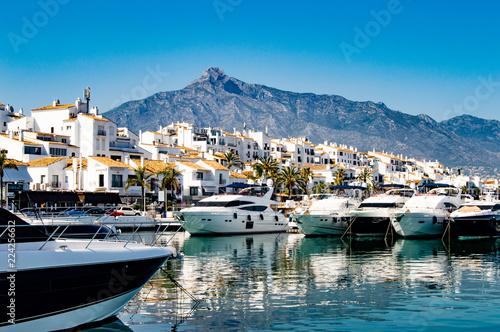 Spoed Foto op Canvas Mediterraans Europa Puerto Banus Marina