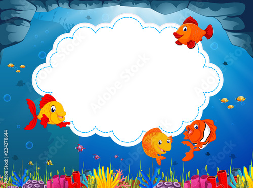 Obraz na plátně the ocean view with the cloud board blank space and some little sea fish swimmin