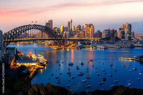 Obrazy Sydney  panorama-portu-i-mostu-w-sydney-w-miescie-sydney