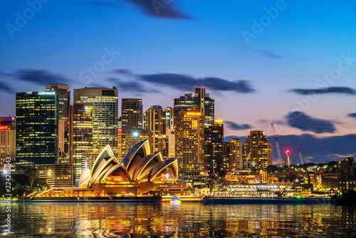 Spoed Fotobehang Australië Sydney Opera House in Sydney, Australia. The Sydney Opera House hosts over 1,500 performances each year that are attended by approximately 1.2 million people.