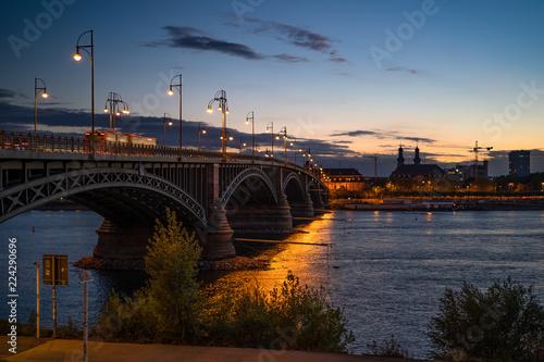 Keuken foto achterwand Bruggen Theodor-Heuss-Brücke Bluehour