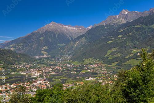 Fotografie, Obraz  Blick von Dorf Tirol ins Vinschgau, Meran, Südtirol