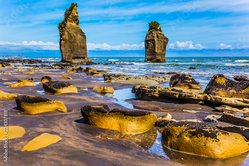 """Fotografía  Famous """"Three Sisters"""" on the Pacific coast"""