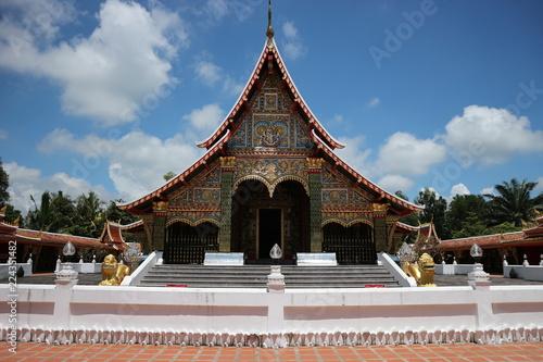 Deurstickers Bedehuis temple, thai, thailand, art, bangkok, architecture, gold, religion, buddhism, buddhist, decoration, background, travel, traditional, antique, culture, ancient, asia, scene, historic, religious, worshi