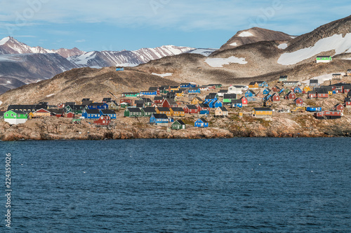 obraz PCV settlement of Ittoqqortoormiit with colorful houses, eastern Greenland at the entrance to the Scoresby Sound fjords