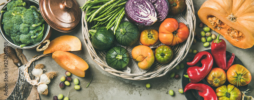 Fotografiet  Healthy vegetarian seasonal Fall food cooking background