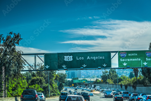 Fotobehang Amerikaanse Plekken Traffic on 101 Hollywood freeway in Los Angeles