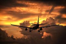 Phuket - Thailand ; September 12,2018 : Etihad Airways Airbus 333 Landing At Phuket Airport In Evening