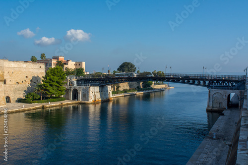 Foto Taranto Swing Bridge on the Canal Boat Separing the Little and the Big Sea