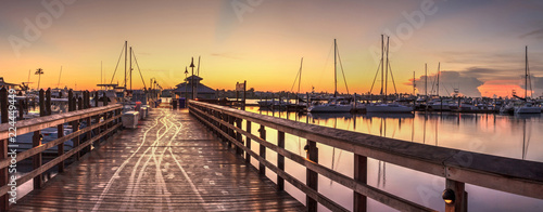 Garden Poster Napels Sunrise over Naples City Dock in Naples, Florida.