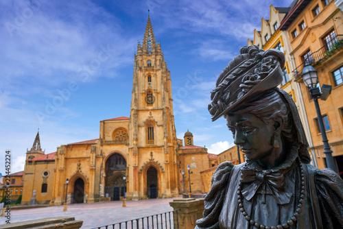 Oviedo Cathedral and Regenta statue in Asturias