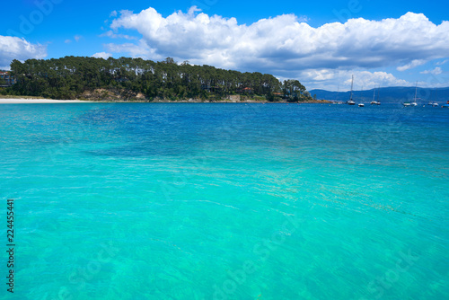 Spoed Foto op Canvas Groene koraal Portonovo Baltar beach in Pontevedra of Galicia