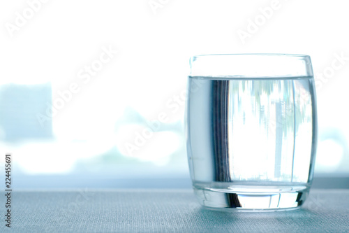 Papiers peints Eau Clean drinking water in clear glass. Put on the table in the reception room Health care concept