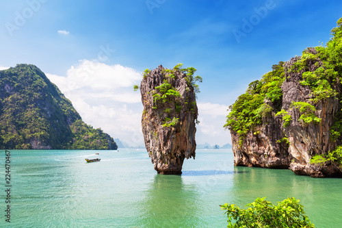 Fotobehang Asia land Famous James Bond island near Phuket