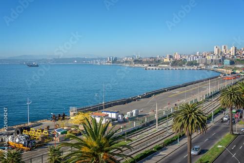 Deurstickers Centraal-Amerika Landen Pacific ocean and harbor of Valparaiso, Chile