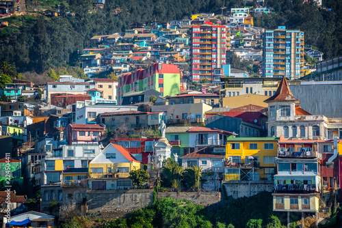 Keuken foto achterwand Centraal-Amerika Landen Colorful houses on a hill of Valparaiso, Chile