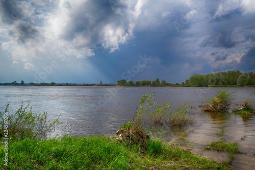 Rzeka Wisła w środkowej Polsce.