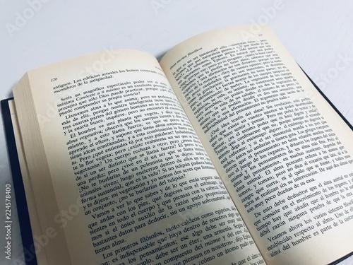 Fotografie, Obraz  Libro abierto lectura y estudio biblioteca