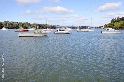 Foto op Aluminium Oceanië Landscape view of sail boats mooring at mill bay at the north Island of New Zealand