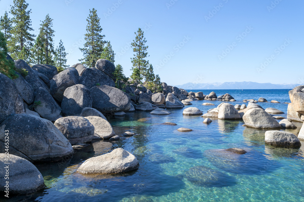 Fototapety, obrazy: Crystalline water at Sand Harbor in Lake Tahoe