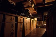 伝統工芸の輪島塗、製品を保管している倉庫