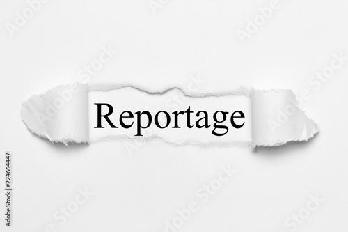 Fotografía  Reportage auf weißen gerissenen Papier