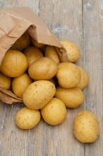 Kartoffel In Einer Papiertüte