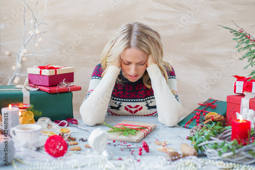 Fotografía  Woman in stress about Christmas holidays