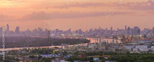 Fotobehang Midden Oosten Drove view of Bangkok Panorama at sunset