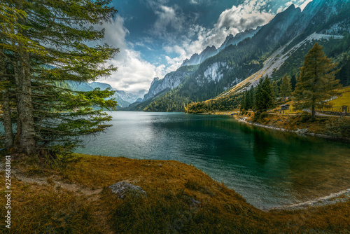 Photo sur Aluminium Bleu vert lake in the mountains