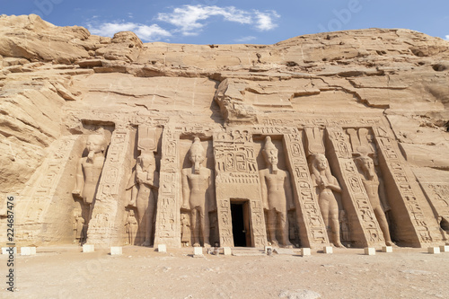 Fotografija  Abu Simbel, the temple of Hathor and Nefertari, also known as the Small Temple,