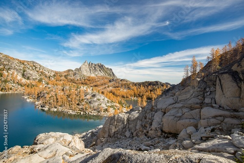 Tuinposter Grijs Views while hiking through the Enchantments in Washington State - fall