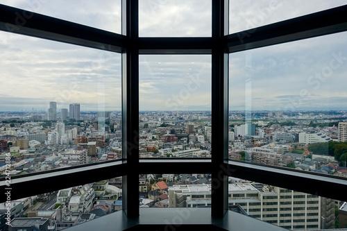 Poster Tokio スターウォーズの宇宙船のような窓からの東京