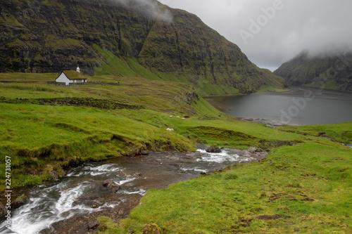 Fotobehang Grijze traf. Färöer Inseln | Saksun