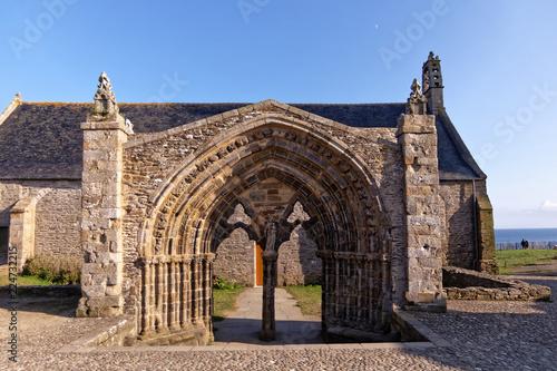 Foto Pointe Saint Mathieu chapel - Plougonvelin, Finistère, Brittany, France