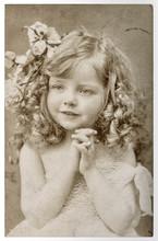 CUte Little Girl Vintage Portr...