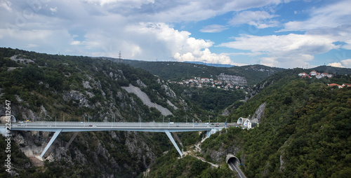 Fotobehang Oude gebouw modern bridge in Croatia.moderne Brücke in Kroatien
